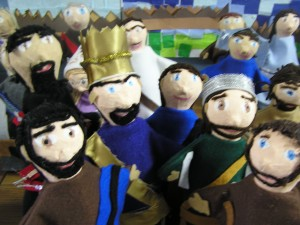 Can you spot the two puppets that represent King Saul?